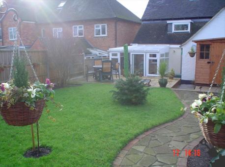 Decking fitters burton on trent garden designers for Garden decking fitters